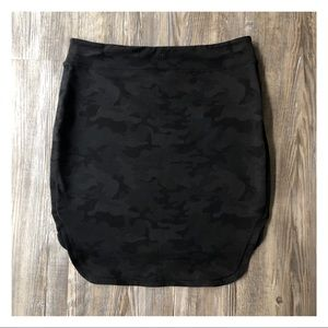 LULULEMON ATHLETICA CITY SKIRT CAMO
